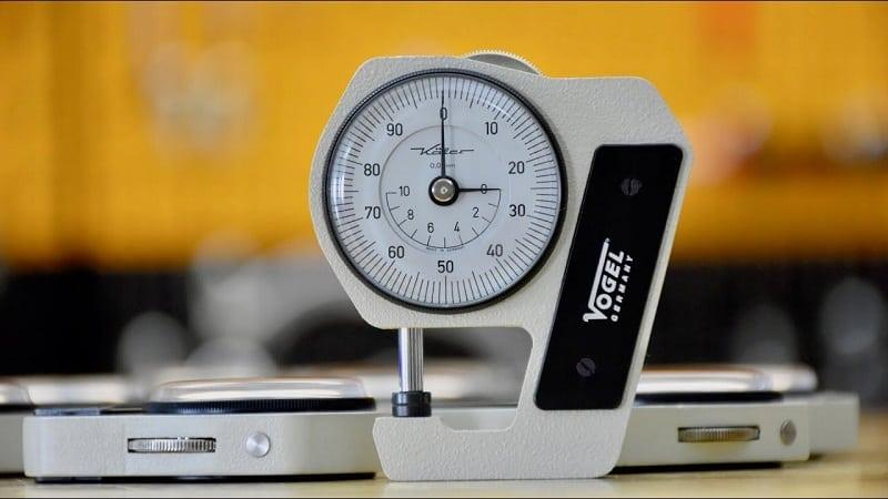 thiết bị đo độ dày của tôn